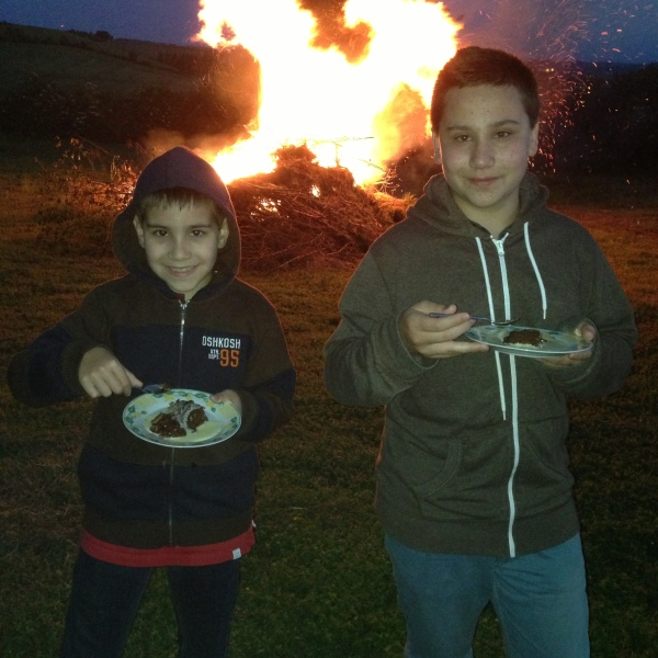 Our bonfire... with Dessert!!